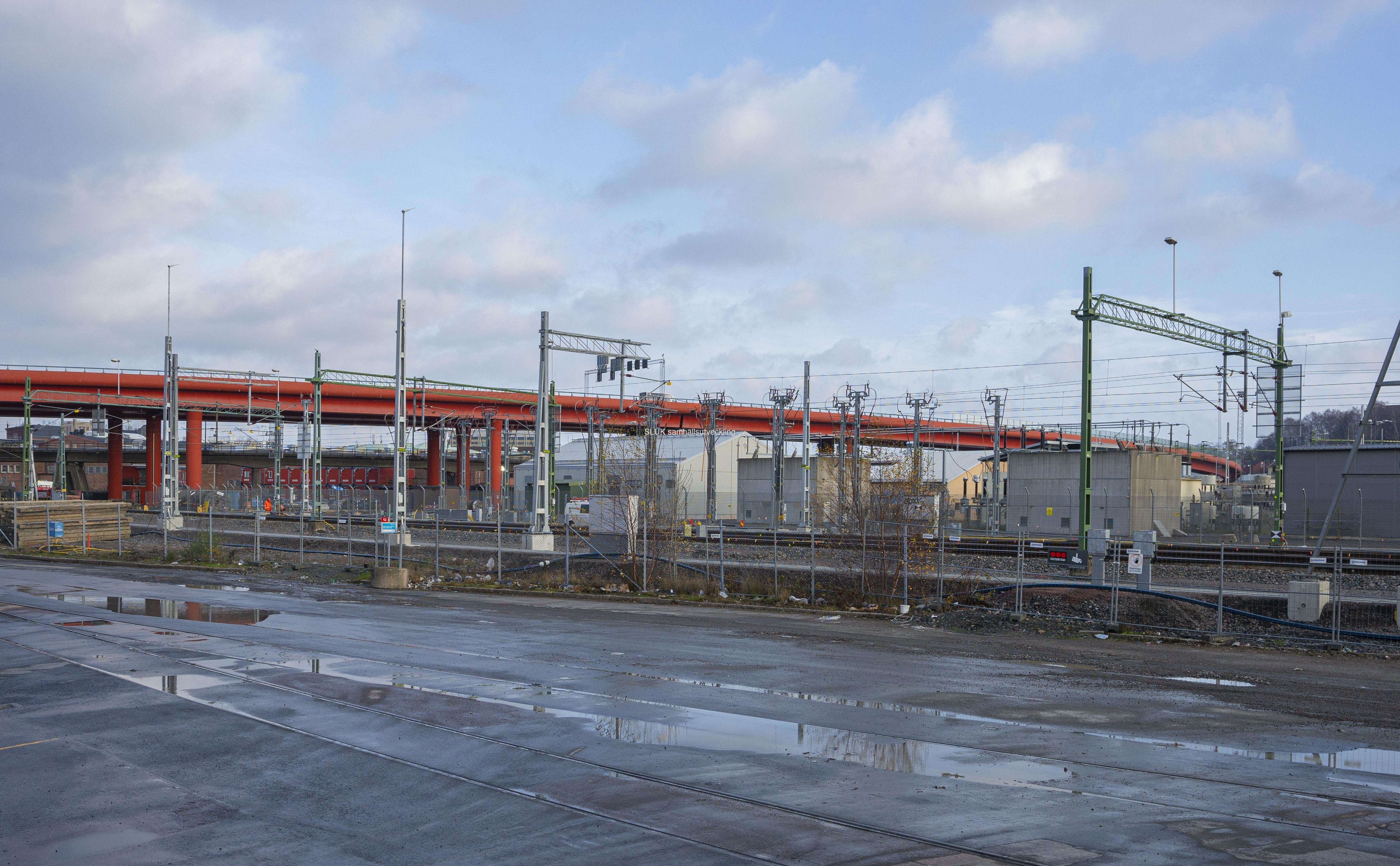 I Olskroken byggs en planskild korsning för järnvägen.