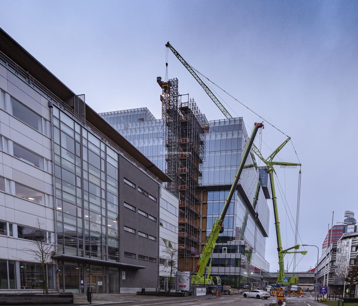 Bygget med kontorsfastigheten Platinan fortgår i Gullbergsvass.