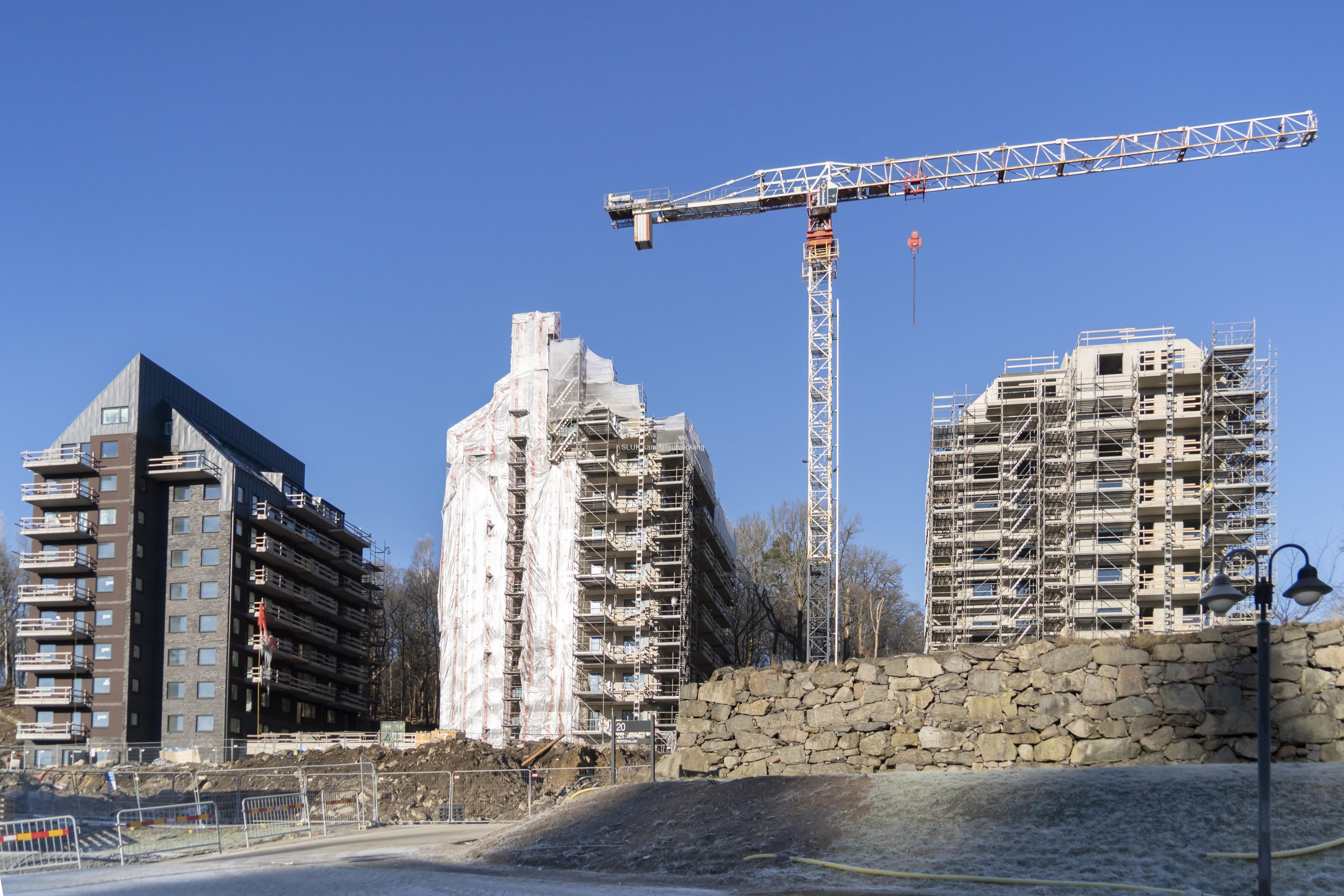 Här uppförs nya bostäder, som kommer att bli klara till sommaren.