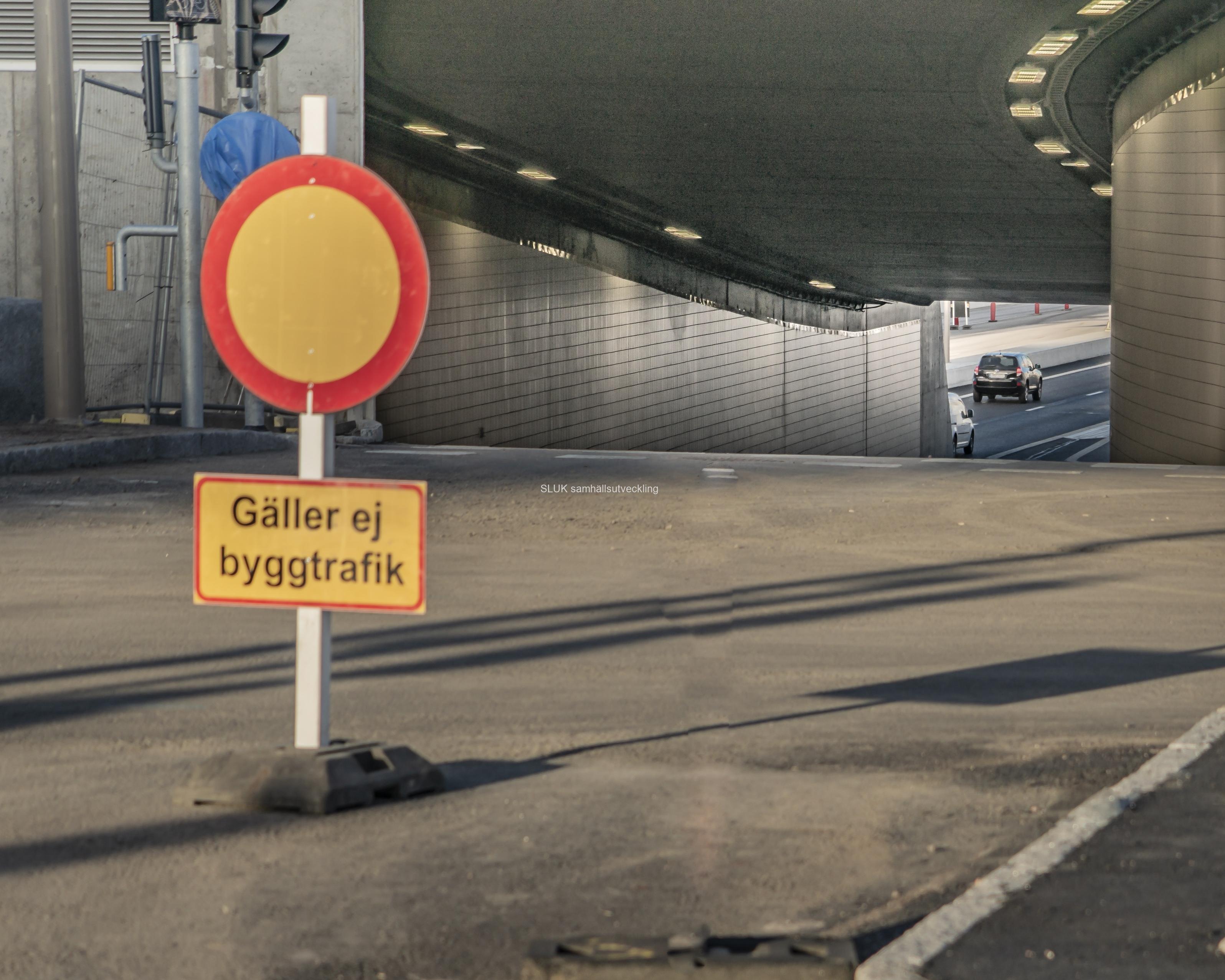 Den här tunneln strax vid Falutorget var inte öppnad den 16 mars.