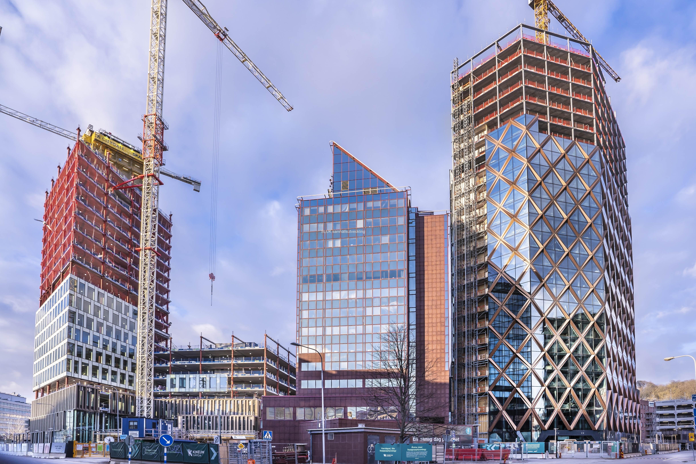 Från Ullevimotet  syns Citygate till vänster och till höger Kineum. I mitten finns det gamla höghuset, där Platzer, ett av Göteborgs största fastighetsbolag, har sitt säte.