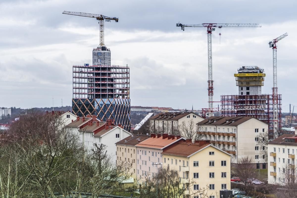 Från Lundens vattentorn har man fin utsikt mot Gårda. Till vänster byggs Kineum och till höger Citygate. Citygate byggs med 36 våningar och blir Nordens högsta kontorsfastighet. Kineum byggs med 27 våningar. Under 2022 beräknas inflyttning kunna ske i bägge skyskraporna.