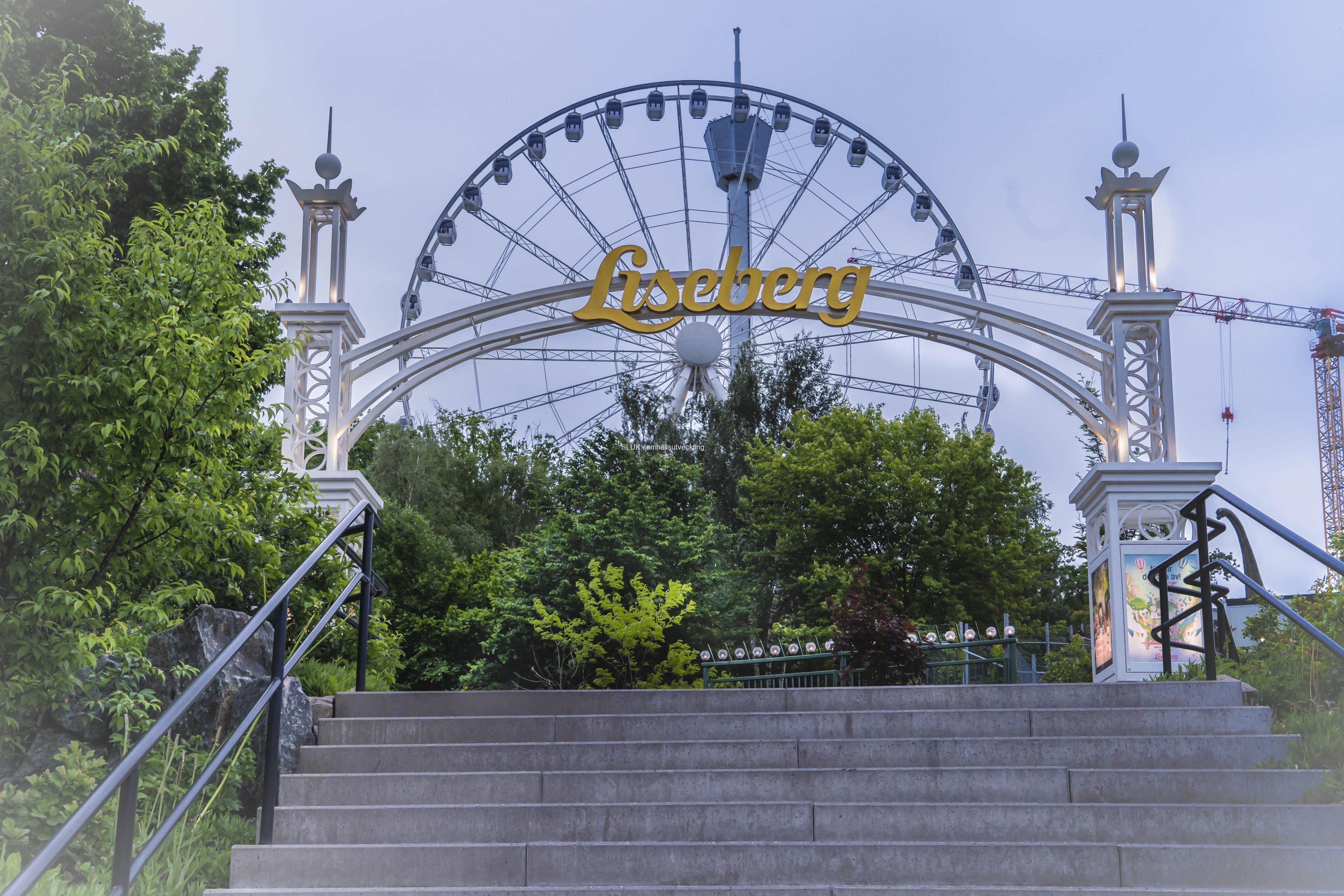 Liseberg har öppnat för säsongen. Antalet besökande är fortfarande begränsat.
