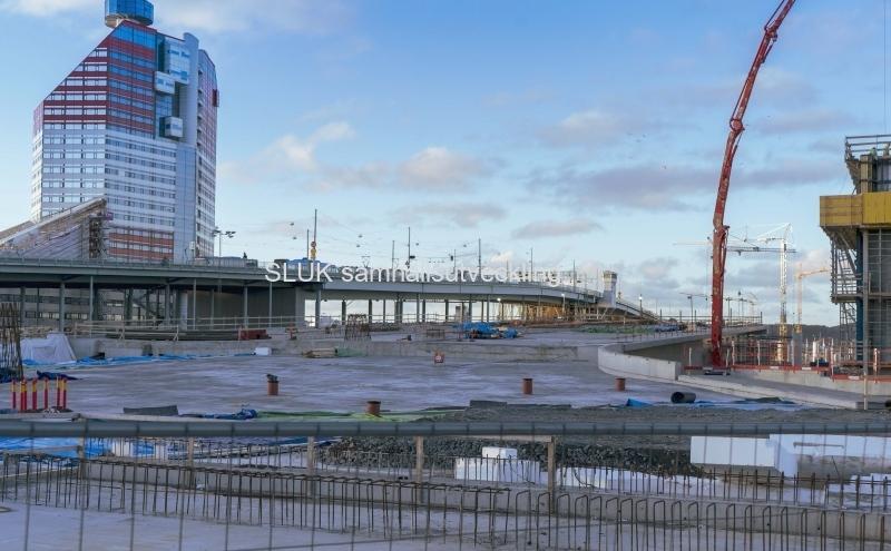 Till vänster om Götaälvsborgsbron finns fastigheten Läppstiftet i Lilla Bommen
