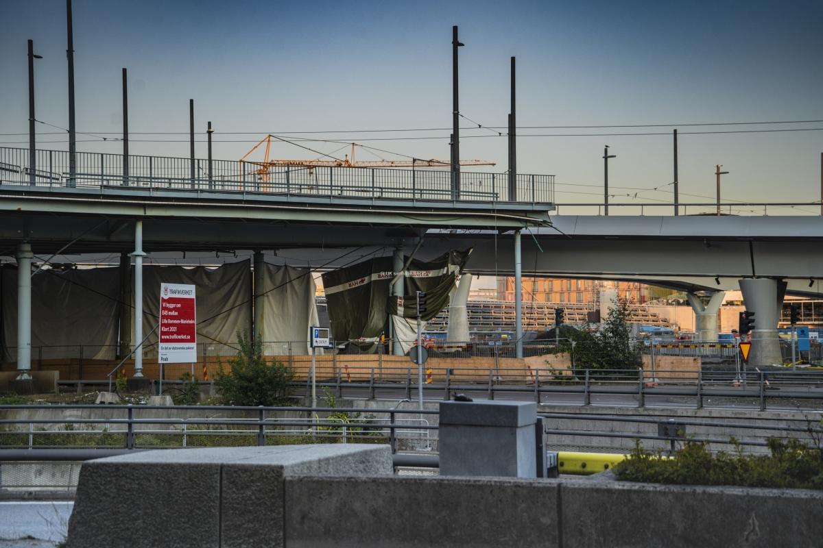 Från Gullbergsvass ser man rivningen av Götaälvbron. Den ska vara borta helt nästa år.