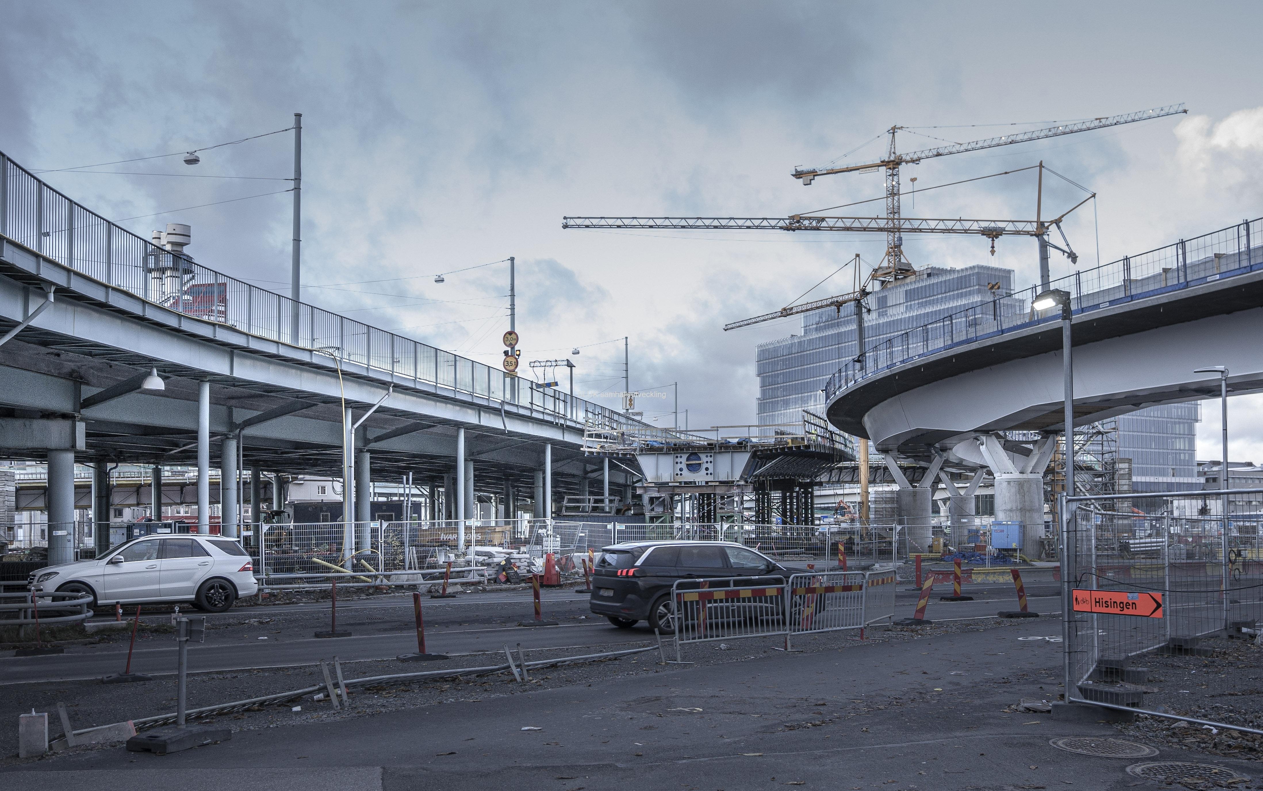 Götaälvbron och Hisingsbron korsars här.