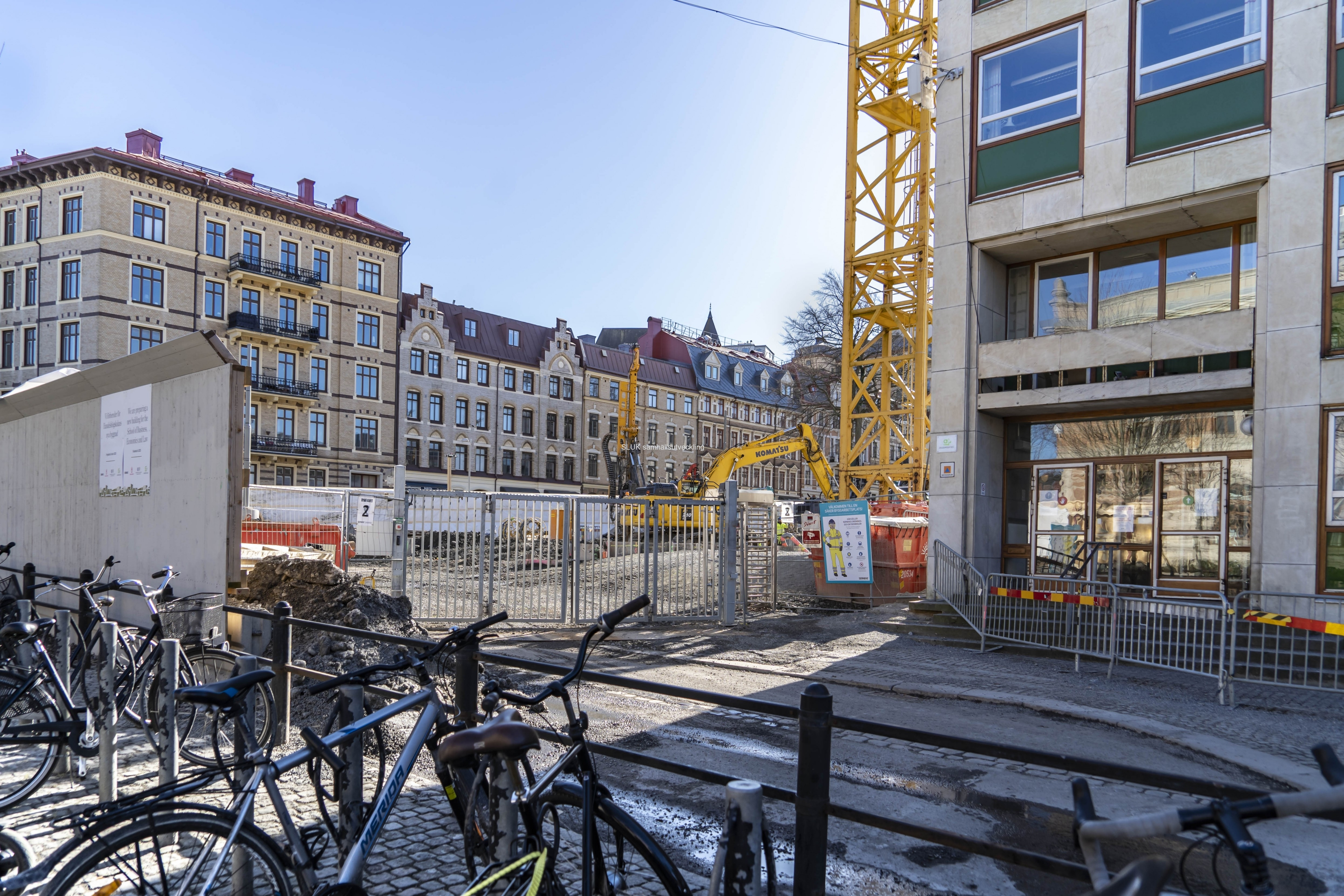 En av Västlänkens stationsuppgångar kommer att finnas i byggnaden. Den nya byggnaden beräknas vara klar 2024.