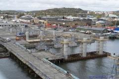 Från Götaälvbron  syns arbetena med Hisingsbron
