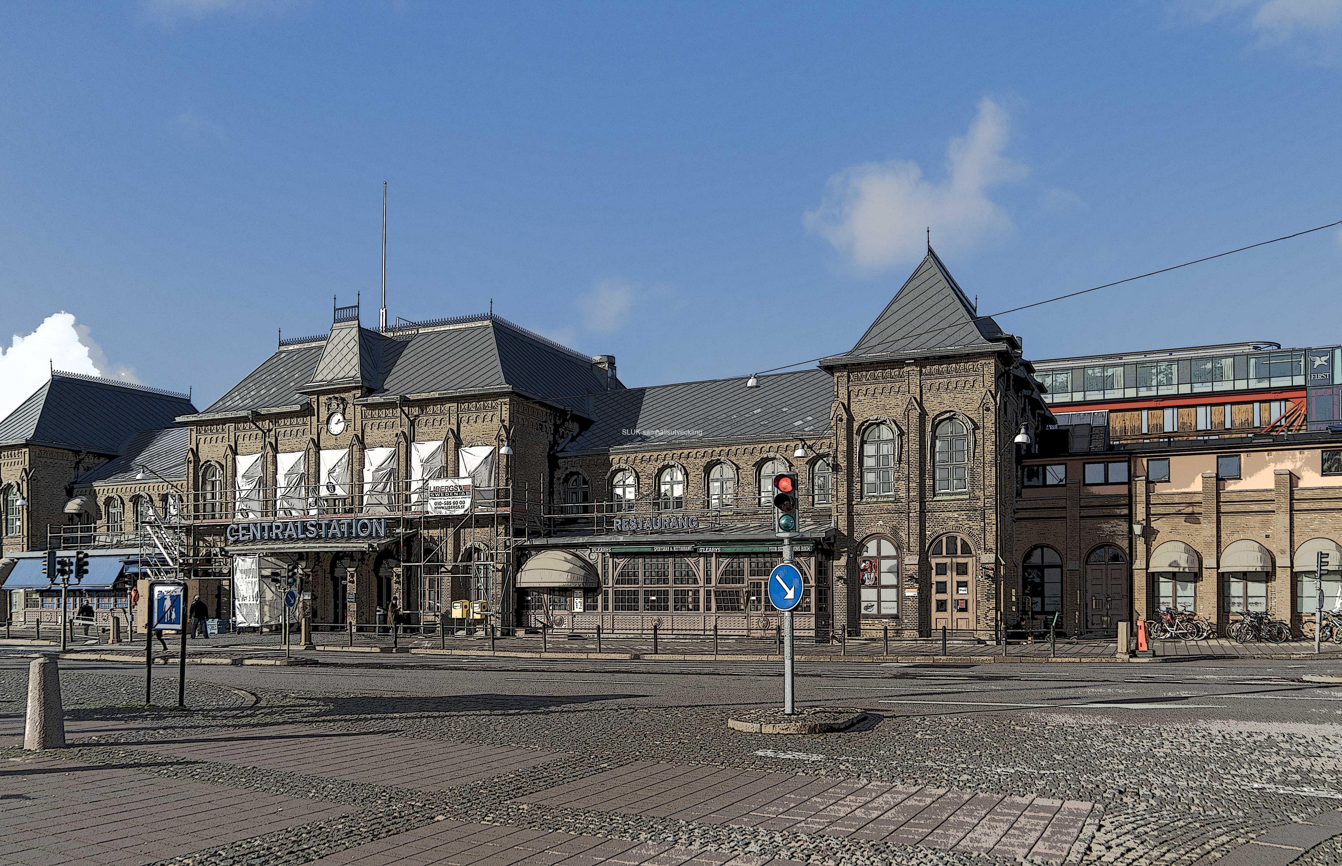 Göteborgs centralstation är byggnadsminnesförklarat sedan 1 januari 2001. Stationens äldre del ingår i Göteborgs stads bevaringsprogram 1975 och 1987. Tidigare var stationen statligt byggnadsminne sedan 21 augusti 1986.