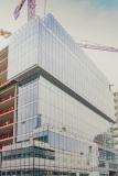 Här syns fasaden i närbild. Det blir förtätning i Lilla bommen med många kontorsfastigheter.