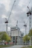 Coronaepidemin gör att försäljningen av Karlatornet på Lindholmen skjuts på framtiden – och bygget kommer att gå på sparlåga.